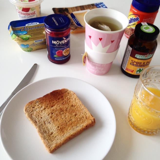 12 von 12 bloggeraktion missbonnebonne mein tag frühstück ovomaltine