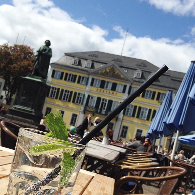 Midi Bonn Innenstadt Frühstück Mittagessen Ausblick Sonnenterrasse Terrasse