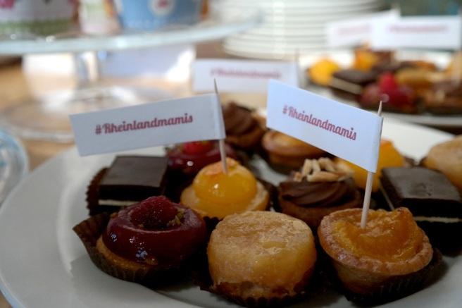 #rheinlandmamis bloggertreffen bloggerevent mamablogger mayras wohnzimmercafé cupcakes candy bar goodie bag