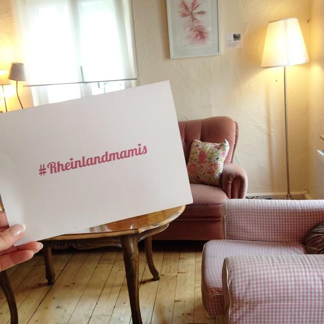 #rheinlandmamis bloggertreffen bloggerevent mamablogger mayras wohnzimmercafé cupcakes candy bar goodie bag mayras