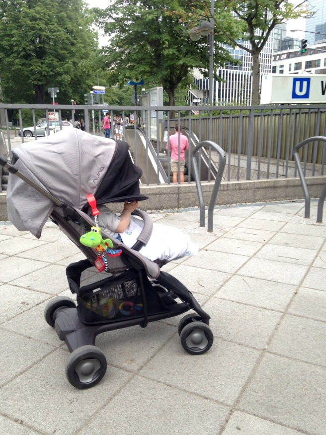 Nuna Pepp Luxe Buggy Flugreise Flug Langstrecke Kinderwagen Säugling Baby