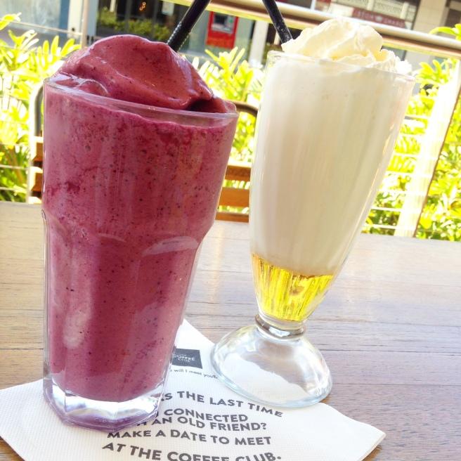 Australien  The Coffee Club Frühstück mit Baby Kind Gladstone Autofahrt Cafe Hotel Erfahrung worauf achten roadtrip ostküste mit dem auto