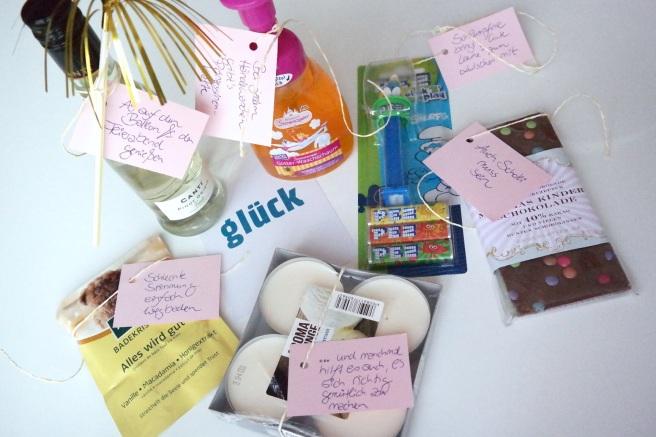 Geburtstagsgeschenke mal anders verschicken statt Karte Motto Box Geburtstagsparty to Go pink Geschenkidee Willkommen Zuhause