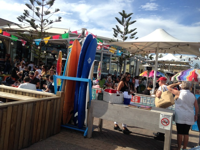 Reisen mit Baby Kindern Australien Ostküste Roadtrip Sydney Inlandsflug Erfahrungsbericht Reiseblog Mamablog Empfehlung bondi beach promenade