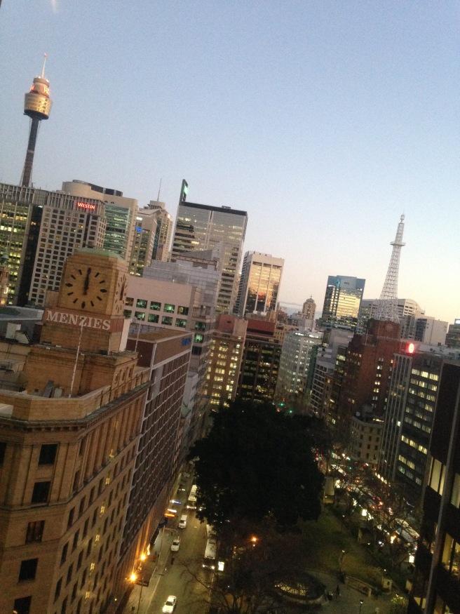 Reisen mit Baby Kindern Australien Ostküste Roadtrip Sydney Inlandsflug Erfahrungsbericht Reiseblog Mamablog Empfehlung skyline