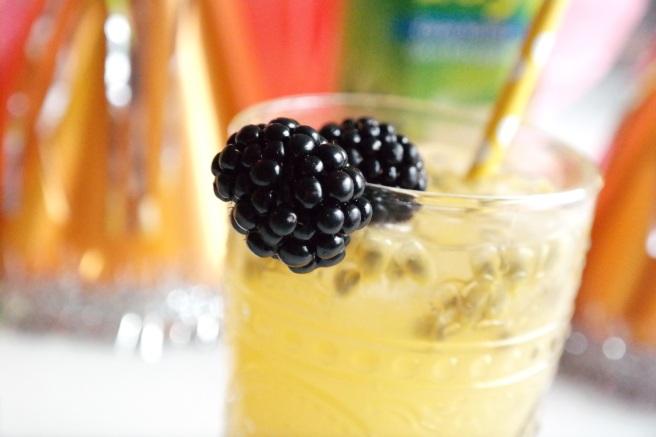 alkoholfreier Cocktail happy day rauch maracuja passionsfrucht lychee tropisch schwangerschaft drink kein alkohol fruchtcocktail
