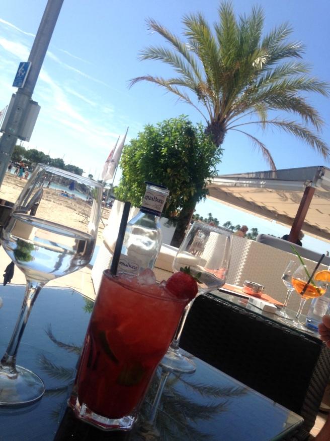 Reisen mit Baby Alcuida Mallorca Urlaub Reiseblog Tipps Essen Restaurant Cocktails Lounge Strand