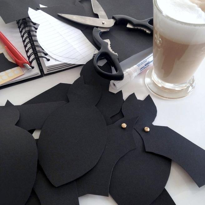 Einladung erster Geburtstag Junge selbst basteln Batman Halloween Fledermaus Kindergeburtstag Mamablog basteln