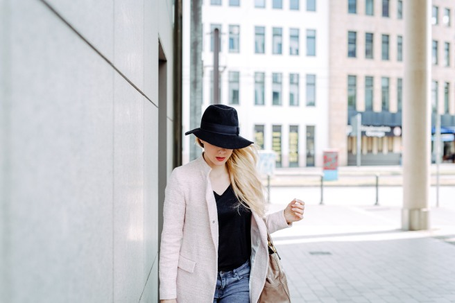Businesslook Rosa Mantel Fashionblog Bonn Köln Missbonnebonne Mathias Radke Details Sommer 2016 Hut MiuMiu