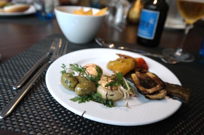 Hilton Hotel Bonn MEat Market Grillen am Rhein Restaurant Missbonnebonne vegetarisch mit Kinderbetreuung Burgerbuffet