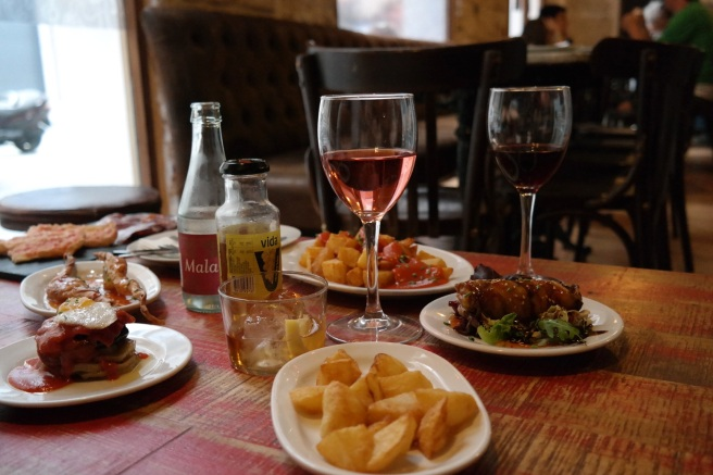 Mallorca Reiseblog Mamablog Reisen mit Kindern Palma Essengehen Tapasbar Bar Espana Zentrum