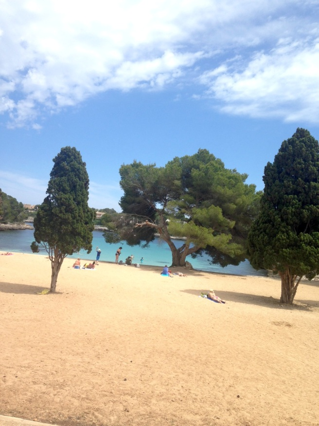 Mallorca Reiseblog Puravida Hotel Portopetro Suite Mamablog Reisen mit Kindern Meerblick Strand